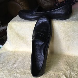B.O.R.N. Black Leather Penny Loafers - Size 10